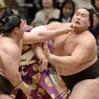 Terunofuji takes spotlight entering Nagoya tournament