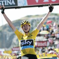 Froome takes control with dominant showing in Stage 10