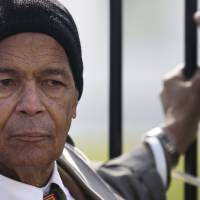 Longtime U.S. civil rights campaigner Julian Bond dead at 75