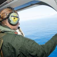 Sightings, some a month old, prompt Maldives join hunt for MH370 debris