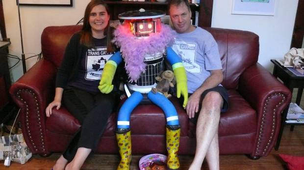 Creators of destroyed hitchBOT may try to rebuild it