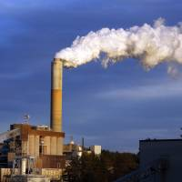 Obama to require steeper emissions cuts from U.S. power plants