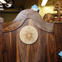 Philly inmates finishing ornate chair for pope's prison visit