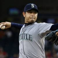 Iwakuma follows no-hitter with win