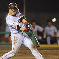 Giants climb into first place with triumph over CL rival Swallows