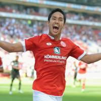 Muto opens Mainz account with two-goal salvo