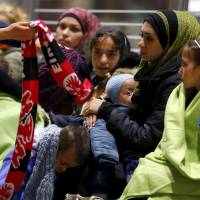 Balkan route migrants shedding ID papers, claiming to be Syrian to qualify as refugees