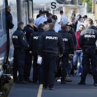 Sweden-bound refugee flow prompts Denmark to block trains from Germany