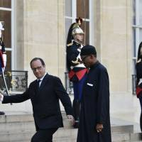 Islamic State's threat to France makes airstrikes in Syria necessary, Hollande says