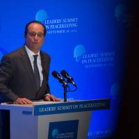 Hollande: It will be 'too late' to save planet if climate deal eludes in Paris talks
