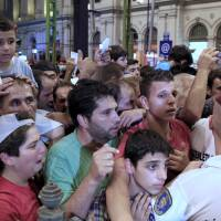 In abrupt U-turn, Hungary closes westbound trains to refugees; traffickers poised to pounce