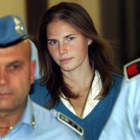 Italy top court says Amanda Knox murder conviction tossed due to inept prosecutors, lack of proof