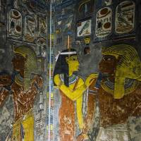Search for tomb of ancient Egypt's beauty Nefertiti gains momentum