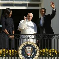 Francis at White House lauds Obama, embraces GOP taboos: environment, poverty, immigration
