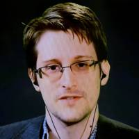 Via video link to NYC forum, fugitive pitches 'Snowden' privacy treaty against surveillance