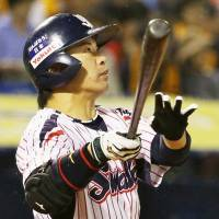 Takai ignites Swallows in decisive win over Giants