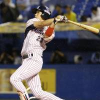 Yamada belts two homers as Swallows sink BayStars