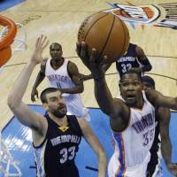 Durant cleared to play after injury comeback