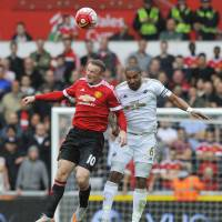 Rooney has chance to eclipse Charlton's mark