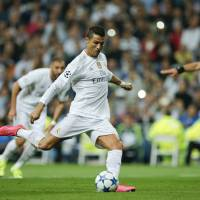 Ronaldo hits hat trick to lead Real Madrid