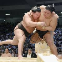 Hakuho rules roost again ahead of Autumn Basho