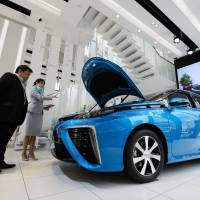 Futuristic hydrogen cars come with a curfew — for now
