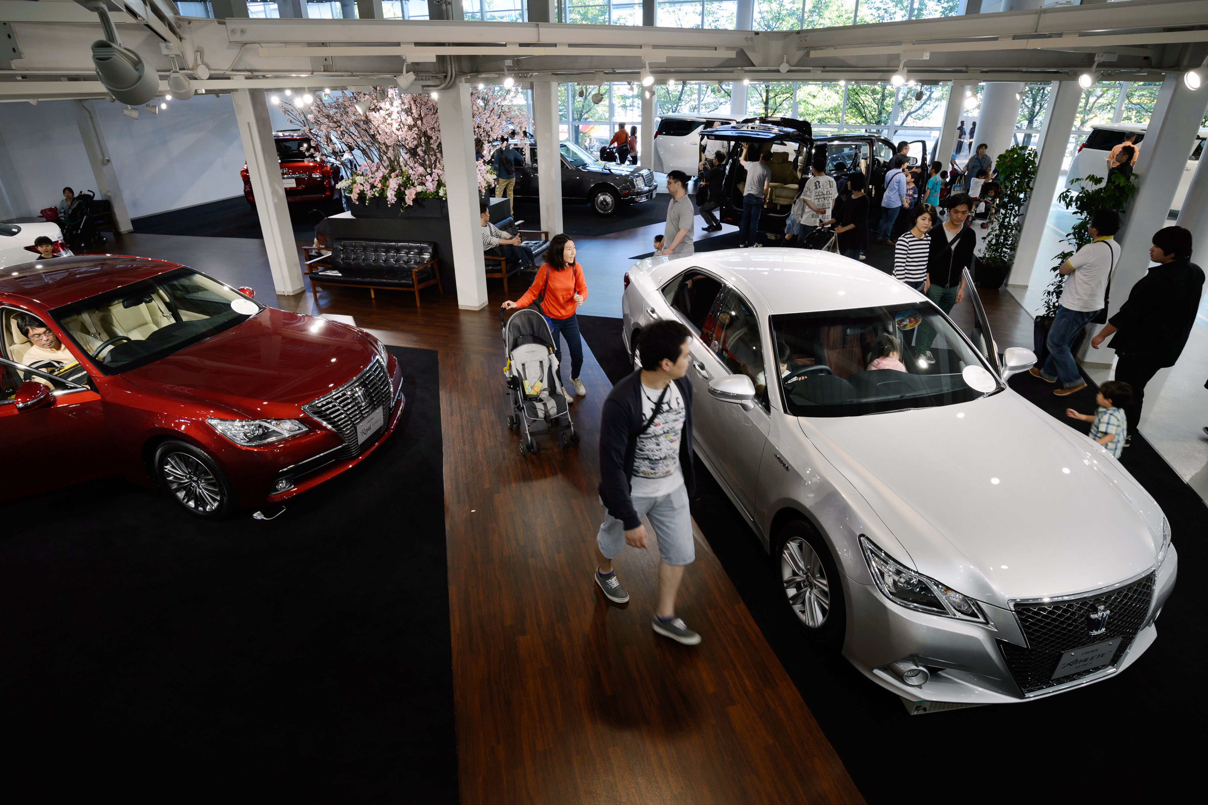 toyota tops world auto sales in first nine months the japan times. Black Bedroom Furniture Sets. Home Design Ideas