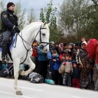 Right-wing Hungary regime offers to ship rejected refugees back to Turkey