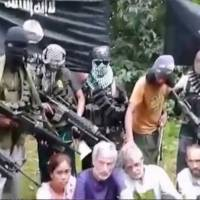 Video shows foreign hostages held in Philippines