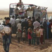 Strife displaces 120,000 Syrians this month; most civilian deaths laid to Russian airstrikes