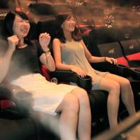 Innovative cinemas try to show home viewing is no great shakes