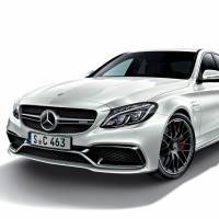 Benz shows off luxury, style, safety