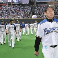 Fighters want Kuriyama back as manager despite playoff loss to Marines