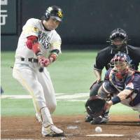 Veteran catcher Takaya plays pivotal role for Hawks