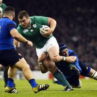 Ireland beats France to avoid All Blacks showdown