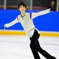Hanyu off to solid start with win at Autumn Classic