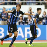 Gamba stay alive in hunt for postseason berth