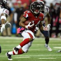 Freeman plays starring role for Falcons against Texans