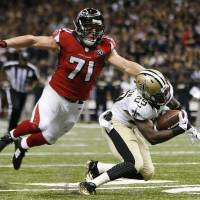 Brees, Watson lead Saints past high-flying Falcons