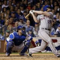 Murphy remains hot as Mets take 3-0 lead