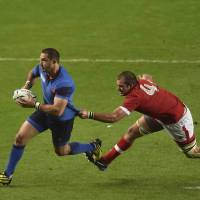 France routs Canada, nears quarters