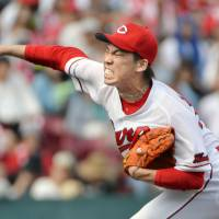 Carp hurler Maeda wins Sawamura Award for second time