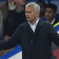 Mourinho counts cost as Chelsea loses again