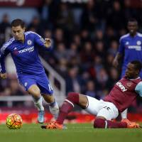 Mourinho in hot water again as Chelsea loses at West Ham