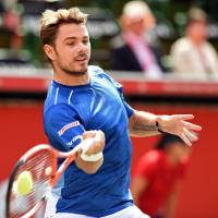 Wawrinka puts away Stepanek in opener