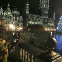 Brussels stays on high alert, suspects two terrorists ready to attack; synagogues shuttered