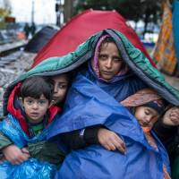 After deal made, Dutch to double number of slots for asylum seekers