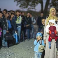 Refugee 'catastrophe' looms as winter approaches, EU warns