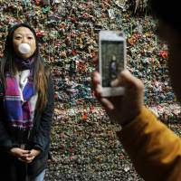 Steam targets Seattle market's famed 'gum wall' after 20-year accumulation