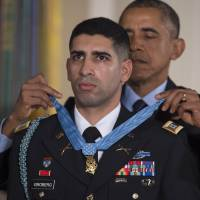 Obama gives Medal of Honor to U.S. Army captain who shoved Afghan suicide bomber